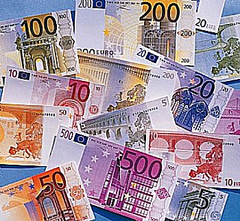 Exchange Rates and Currency Converter