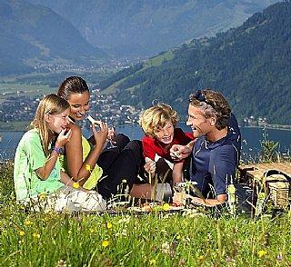 Families, couples & singles, groups & schools