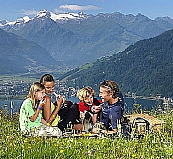 The cheap youth hostel for families in Zell am See