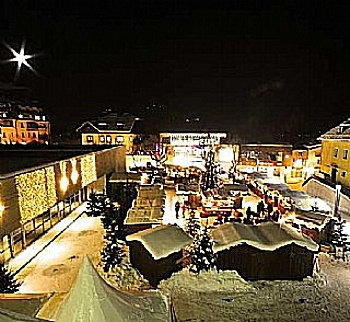 Shopping in the old town of Zell am See