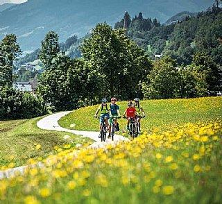 Am Tauernradweg © SLTG / Pürcher